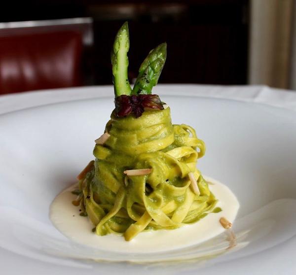 12 bons restaurants à Paris sans vous ruiner | Slate.fr