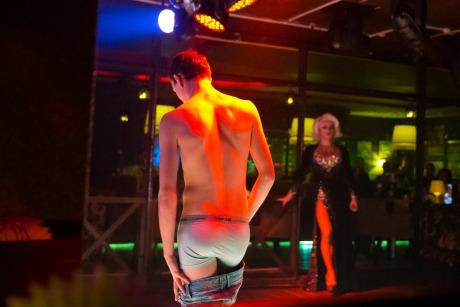 un strip bar gay à Dallas