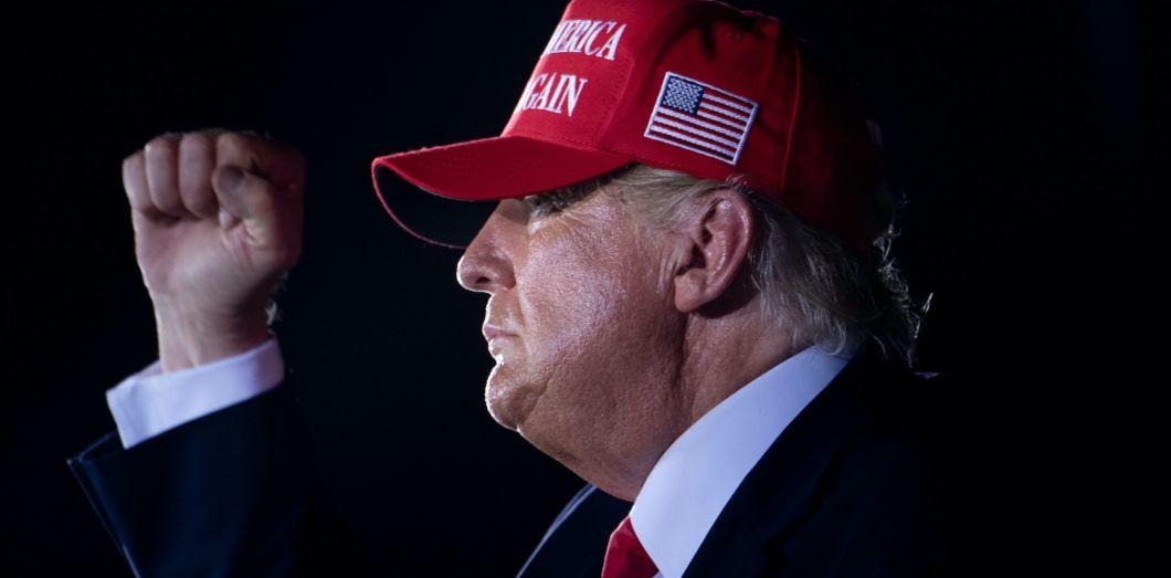 La défaite de Donald Trump signera-t-elle la victoire du complotisme? |  Slate.fr