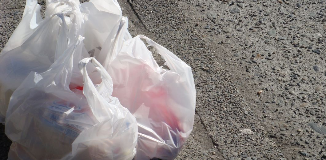 e1c3674e50 Un sac plastique a moins d'impact sur le réchauffement climatique qu ...