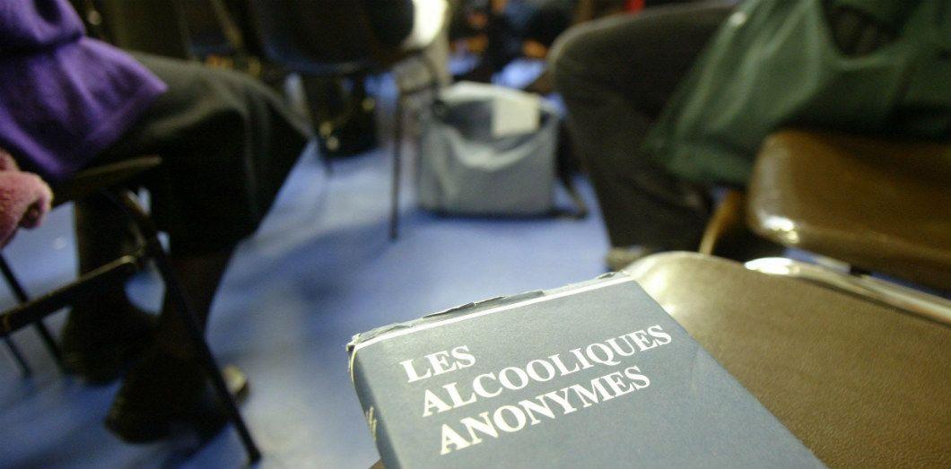 latest for whole family good looking Alcooliques anonymes: la parole peut-elle suffire à lutter ...