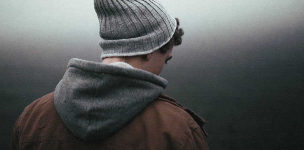 Pour éviter la condamnation sociale beaucoup d'hommes évitent de s'épancher sur leurs sentiments. |Andrew Neel via Unsplash.