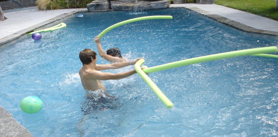 Lot de 6 frites jeux de piscine aquagym pour piscine Visiodirect