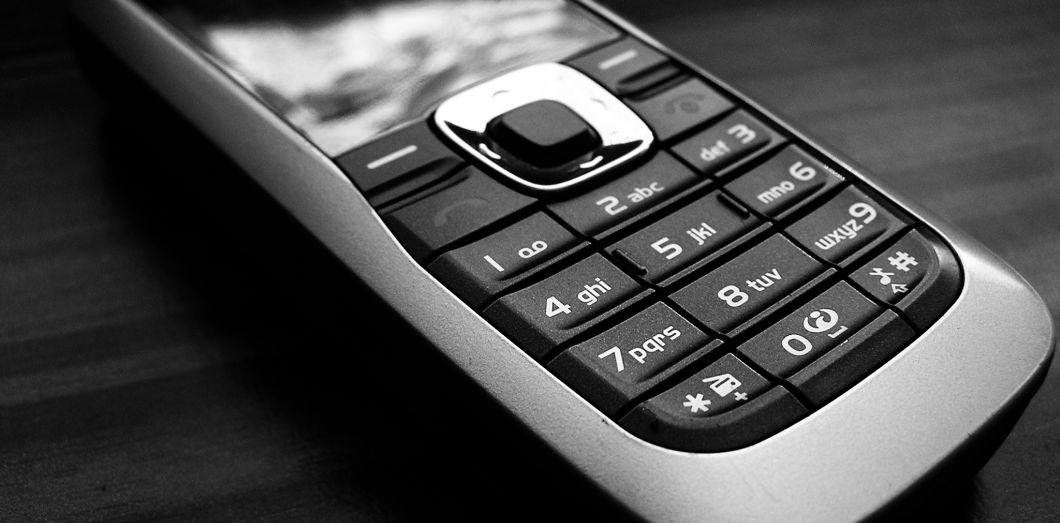 Quelques marques proposent encore des téléphones non tactiles   Orin Zebest  via Flickr CC License by 7093dad7b2c