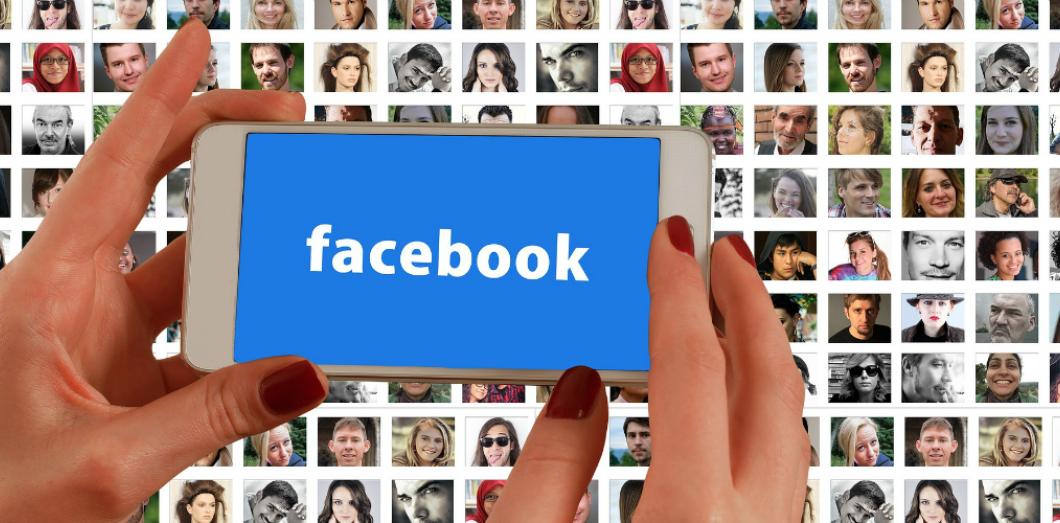 il recherche des filles sur facebook)