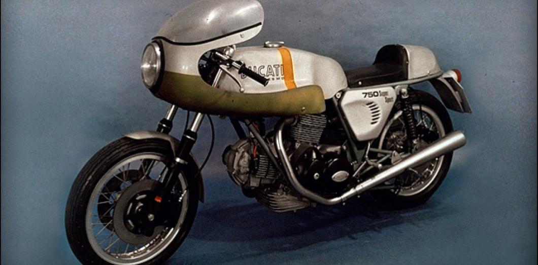 Ducati Une Moto Un Moteur Une Legende Slate Fr