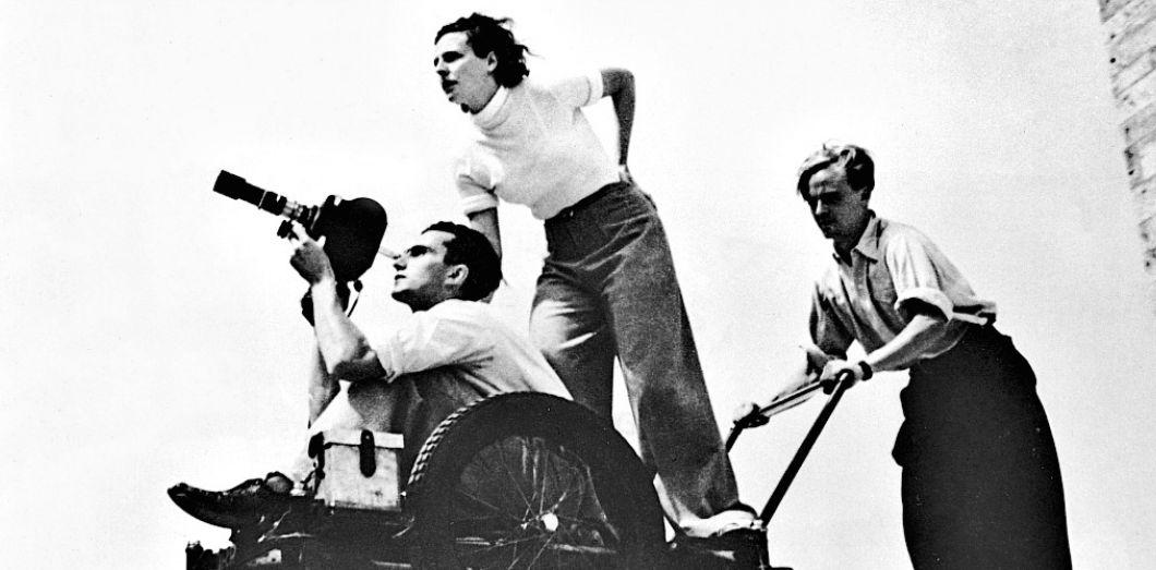 Quatre-vingts ans avant l'État islamique, Leni Riefenstahl inventait (ou presque) le cinéma de propagande | Slate.fr
