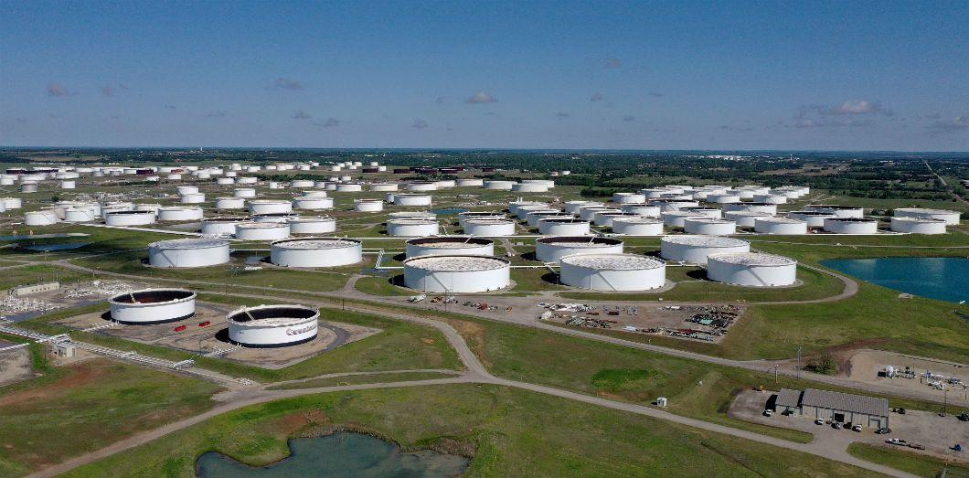 Le plus grand centre de stockage de pétrole des États-Unis, à Cushing dans l'Oklahoma,est plein à craquer. | Tom Pennington / Getty Images North America / AFP