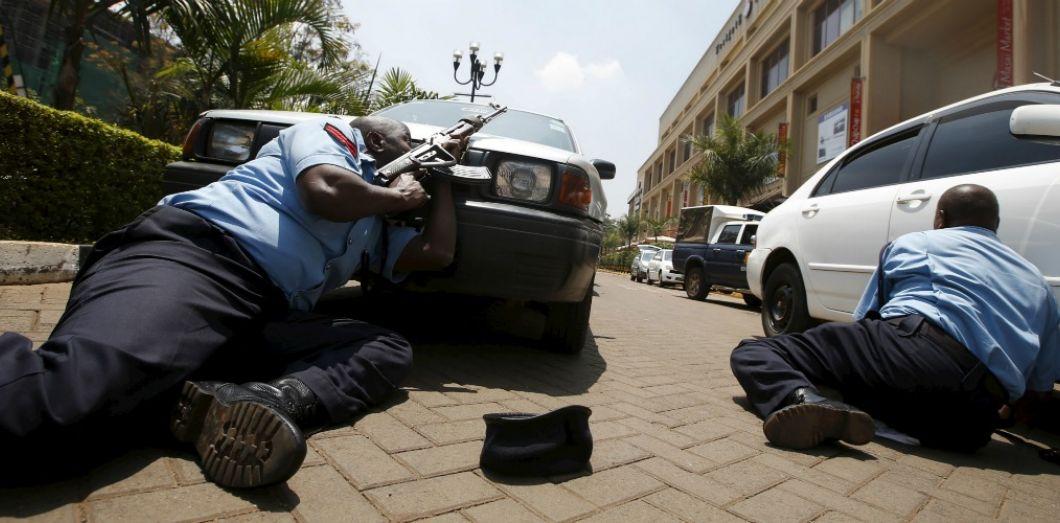2013Les Terroristes Kenyaet Ce 21 Septembre Le Frappaient N Y6gf7byv