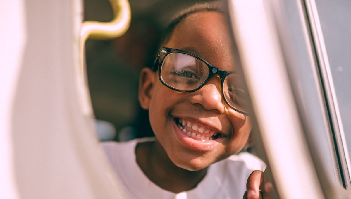 La plupart du temps, les parents adoptifs blancs ne pensent pas à mal et souhaitent involontairement ou non protéger leur enfant en minimisant les agressions racistes dont il pourrait être l'objet. | Frank McKenna via Unsplash